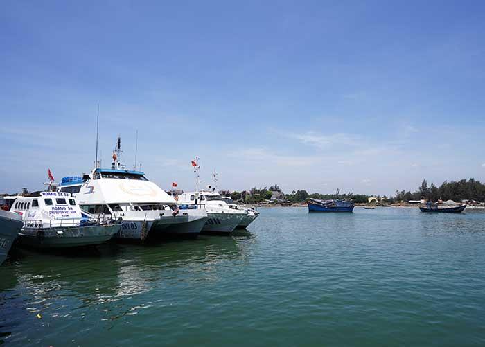 Tầu ra đảo Lý sơn